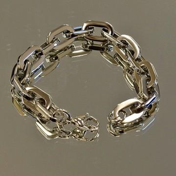 Solid Oval Link Bracelet