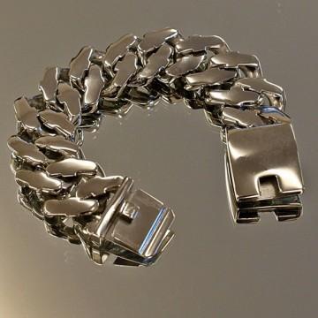 Chunky Curb Link Bracelet